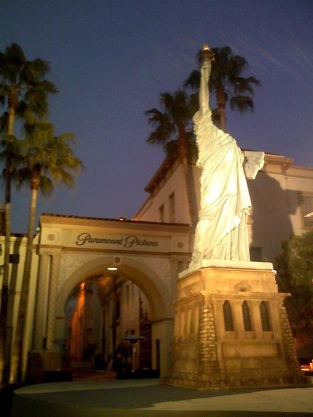 estatuaparamount3.jpg