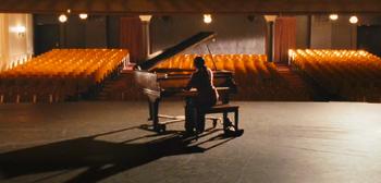 fame-remake-teasertrl-piano-img