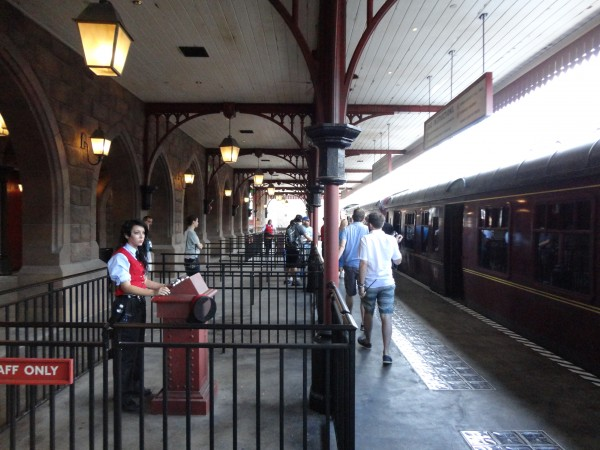 harry-potter-diagon-alley-hogwarts-express-hogsmeade