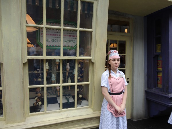 harry-potter-diagon-alley-ice-cream-shop