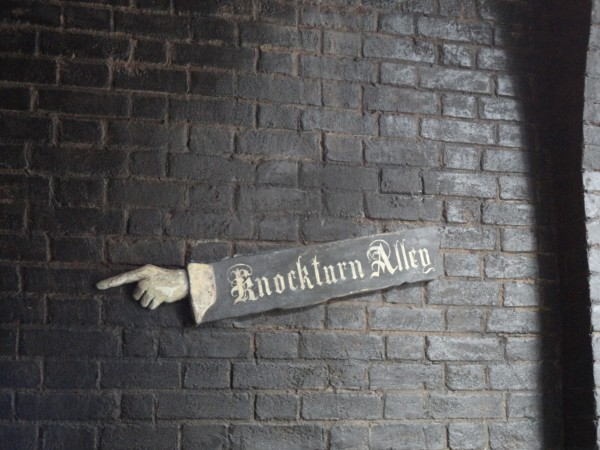 harry-potter-diagon-alley-knockturn-alley