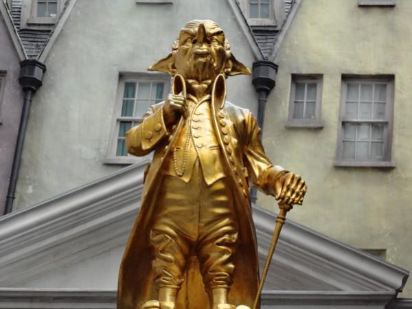 harry-potter-diagon-alley-universal-gringotts-statue