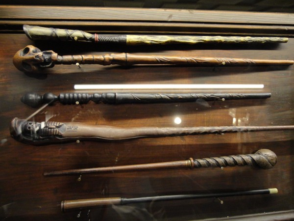 harry-potter-diagon-alley-wands-by-gregorovich-2