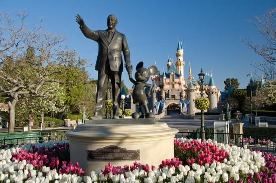 Estátua Walt Disney en Disneyland