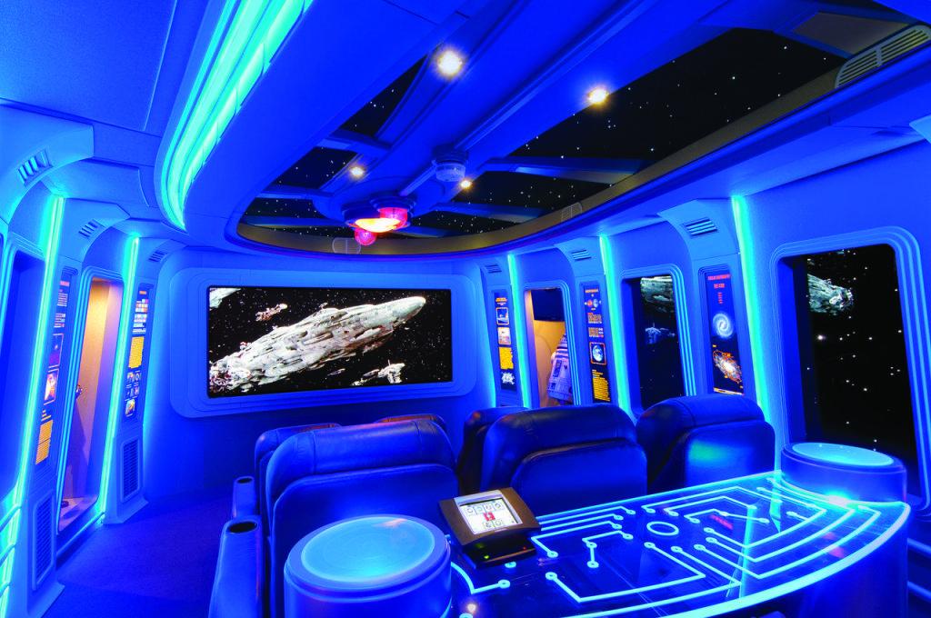 Habitación que recrea la nave Halcón Milenario de Star Wars