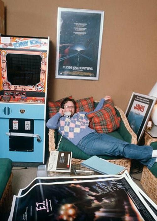 un joven Spierlberg con su colección de Recreativas