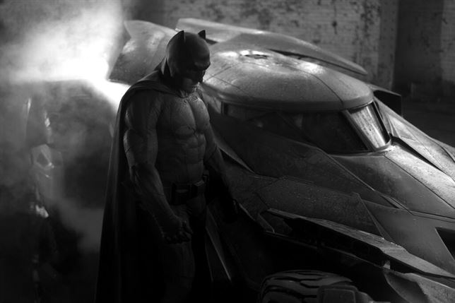 Batman y el Batmóvil en Dawn of Justice