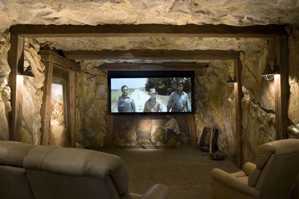 Sala de cine que simula ser una mina