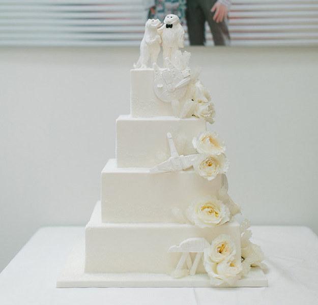 Y en su tarta había un Wampa y Tauntauns.