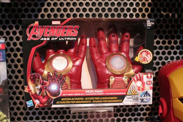 hasbro-marvel-role-play-iron-man-gloves-box