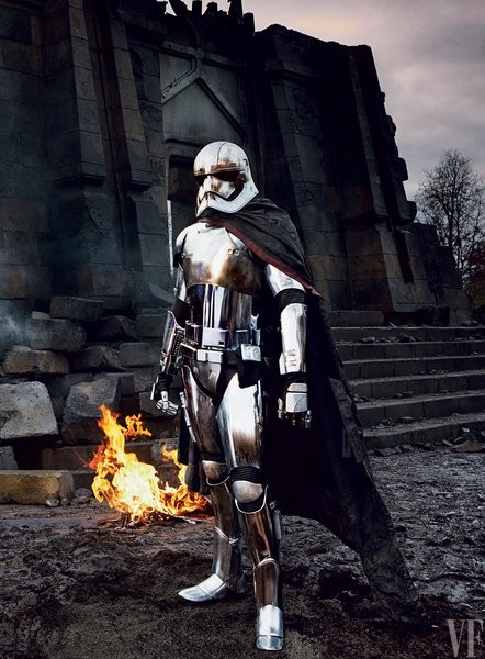 star-wars-the-force-awakens-gwendoline-christie-captain-phasma