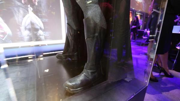 batman-costume-boots-batman-vs-superman
