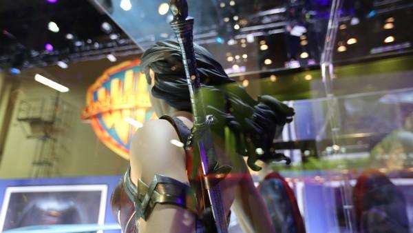 wonder-woman-sword-batman-vs-superman