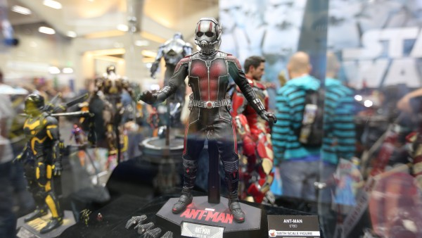 ant-man-hot-toys-sideshow-collectibles-booth-picture-comic-con (1)