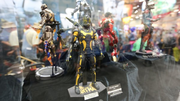 ant-man-hot-toys-sideshow-collectibles-booth-picture-comic-con (2)