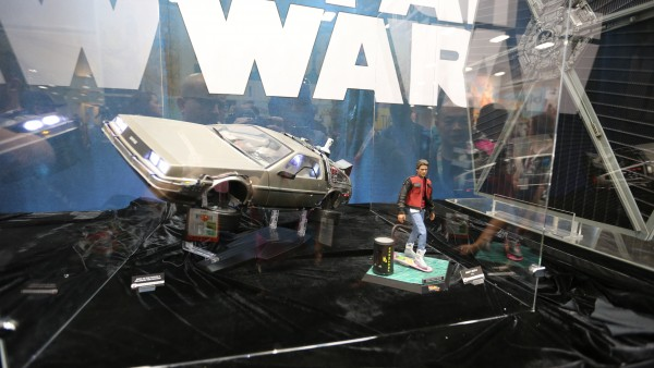 back-to-the-future-hot-toys-sideshow-collectibles-booth-picture-comic-con (2)
