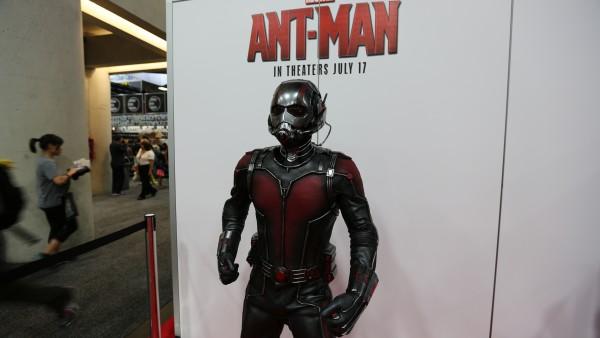comic-con-2015-convention-floor-picture (11)