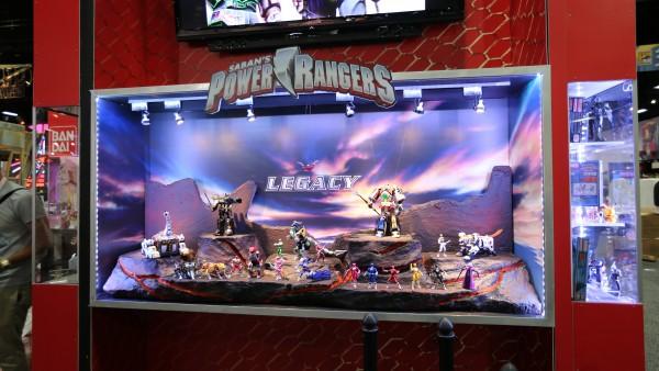 comic-con-2015-convention-floor-picture-image (51)