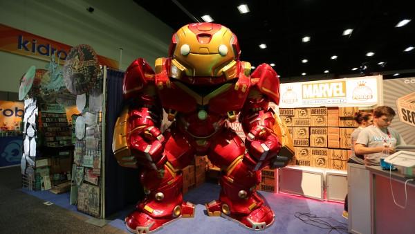 comic-con-2015-convention-floor-picture-image (83)