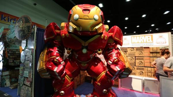 comic-con-2015-convention-floor-picture-image (84)