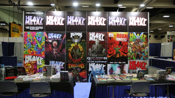 comic-con-2015-convention-floor-picture-image (94)