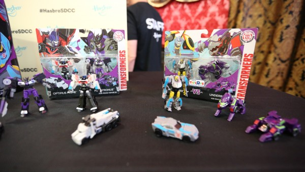 hasbro-transformers-jem-star-wars-toy-pictures-comic-con (20)