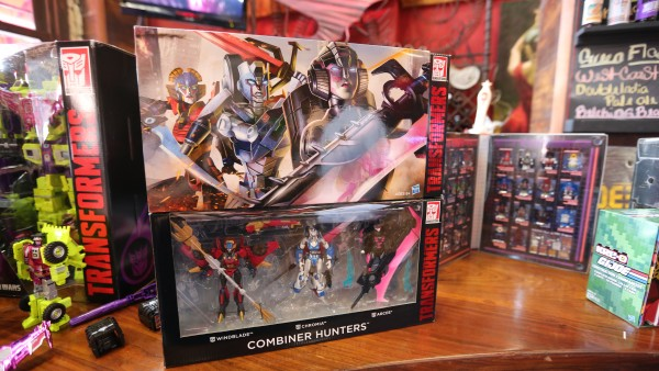 hasbro-transformers-jem-star-wars-toy-pictures-comic-con (3)
