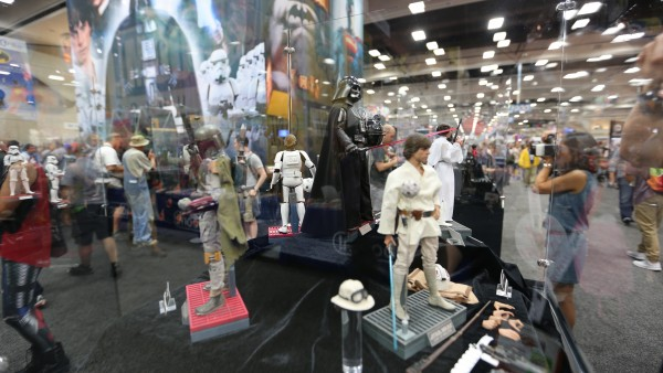 star-wars-hot-toys-sideshow-collectibles-picture-comic-con (3)