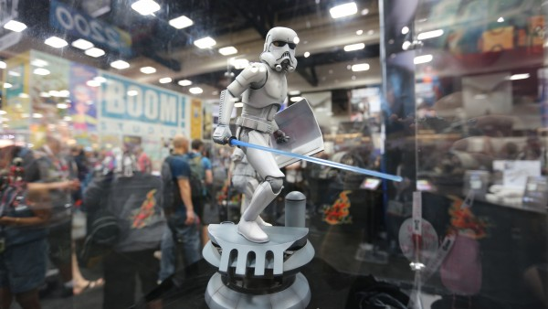 boba-fett-star-wars-hot-toys-sideshow-collectibles-picture-comic-con (4)1