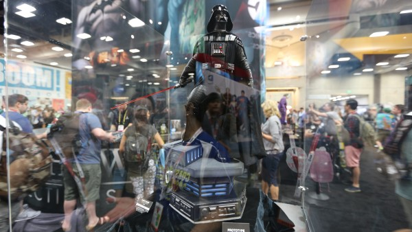 star-wars-hot-toys-sideshow-collectibles-picture-comic-con (6)