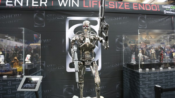 terminator-hot-toys-sideshow-collectibles-booth-picture-comic-con (1)