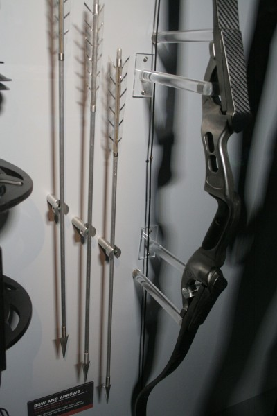 hunger-games-experience-bow-and-arrows