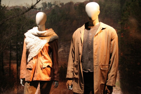 hunger-games-experience-district-12-costumes-2