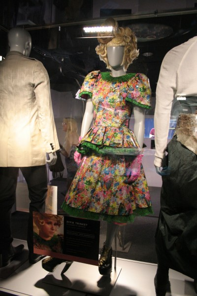 hunger-games-experience-effie-costume-2