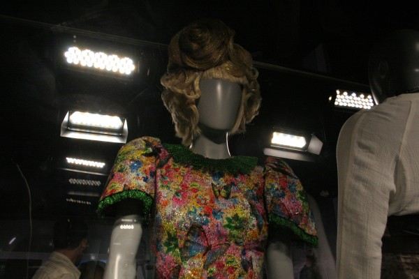 hunger-games-experience-effie-costume-3