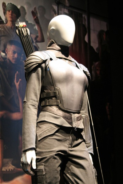hunger-games-experience-katniss-costumes-5