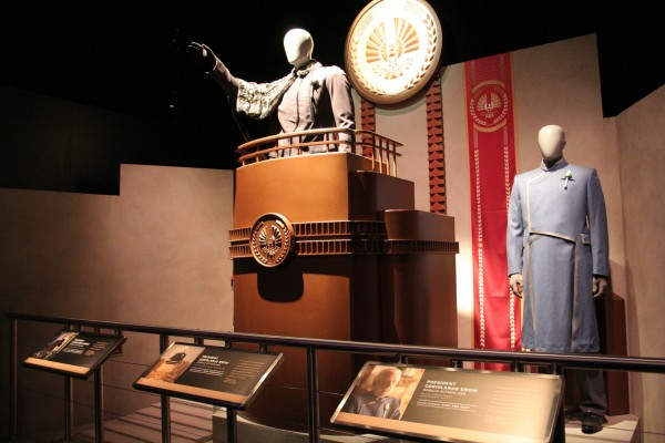 hunger-games-experience-president-snow-2