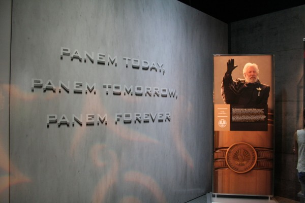 hunger-games-experience-president-snow