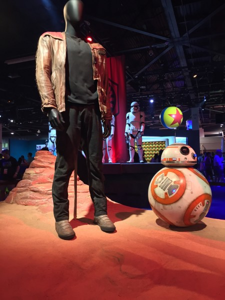 star-wars-7-bb-8-finn-costume-d23