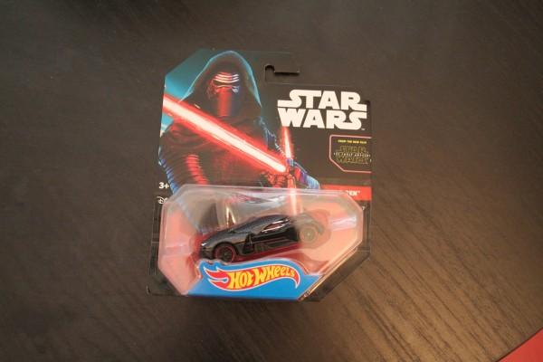 star-wars-hot-wheels-kylo-ren-3