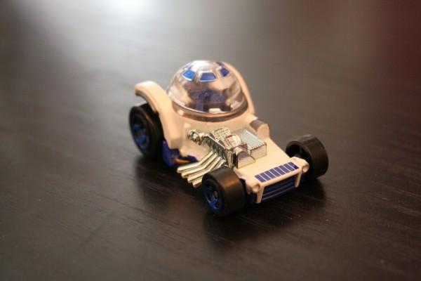 star-wars-hot-wheels-r2-d2-2