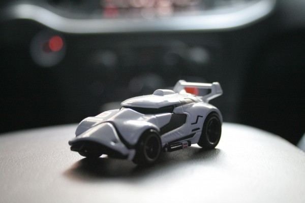 star-wars-hot-wheels-stormtrooper-2