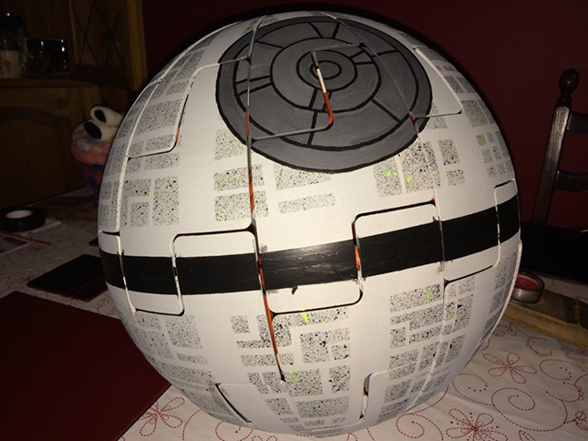 Cómo transformar tu lámpara IKEA PS 2014 en la Estrella de la Muerte de Star Wars.