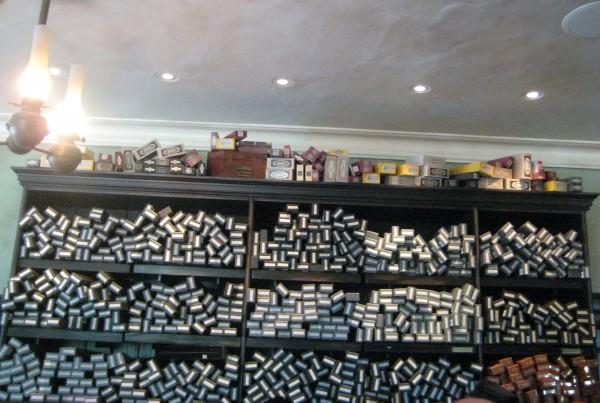wizarding-world-of-harry-potter-120-olivanders