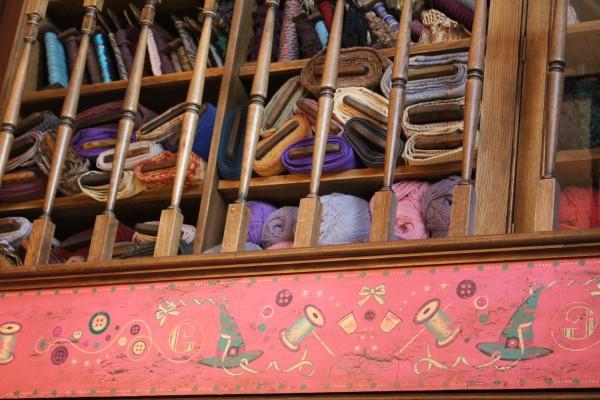 wizarding-world-of-harry-potter-hogsmeade-16