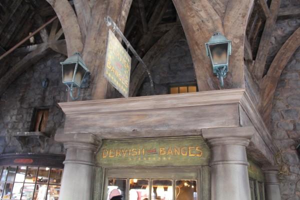 wizarding-world-of-harry-potter-hogsmeade-dervish-and-banges
