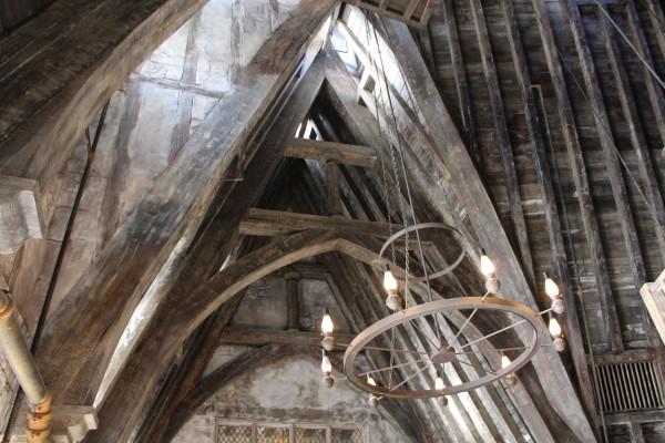wizarding-world-of-harry-potter-three-broomsticks-12