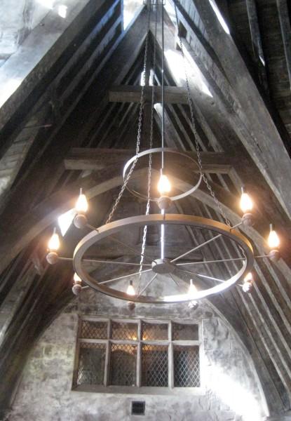 wizarding-world-of-harry-potter-three-broomsticks-7