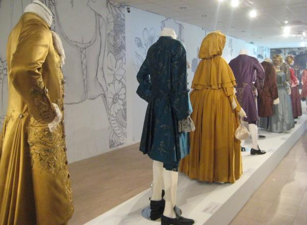 outlander-exhibit-07