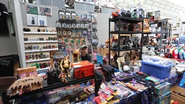 london-comic-con-convention-floor-image (18)